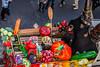 126-Fruits et légumes (Alain COSTE) Tags: bordeaux carnaval coursvictorhugo déguisement lesgens légumes parkingvictorhugo pointdevue procession spectateur confetti défilé hauteur podium poussette rue gironde france fr