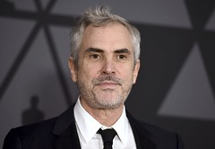 『ROMA/ローマ』 (webdice.photo) Tags: 2017 governors awards arrivals los angeles usa 11 nov alfonso cuaron arrives at 9th annual dolby ballroom entertainment celebrity red carpet arts california united states north america 65833789