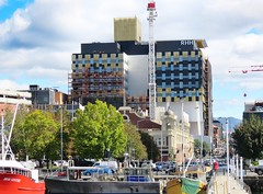 Royal Hobart Hospital - 15th March 2019 (Oriolus84) Tags: hobart tasmania australia construction royalhobarthospital hospital facade new building