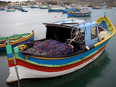 Bajo la lluvia (dina c) Tags: barca mar puerto pesquero