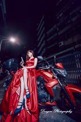 HYH_1015 (Yu-Hsiang Huang) Tags: dragon photography wedding dress photo bride bridegroom couple taiwan taipei 婚禮紀錄 婚攝 台灣 重機 槍 時尚 個性 夜景