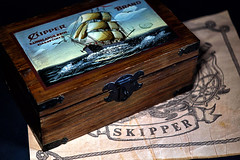 Wunderschönes Wochenende! (ingrid eulenfan) Tags: smileonsaturday box maritim stilllife stillleben kiste