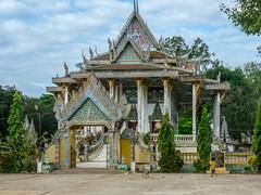 Pagode d'Ek Phnom (petiron) Tags: cambodge 2014 edificereligieux pagode battambang krongbattambang battambangprovince kh