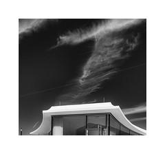 fluffy sky (Karl-Heinz Bitter) Tags: sky fluffy architectur white black monochrom monochrome wetzlar architektur karlheinzbitter fine art frame lines framed rahmen