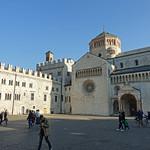 2019-03-29 03-31 Südtirol-Trentino 094 Trient, Piazza del Duomo thumbnail