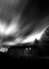 IT's coming (LonánWL) Tags: blackandwhite blackwhite blackwhitephotos cloud sky star urban tree night noiretblanc noirblanc nuit nuages ciel stars étoile ville arbre monochrome