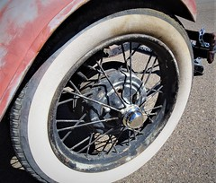 31619-26, Real Old White Side Wall Tire (skw9413) Tags: newmexico carshow fordmodelt