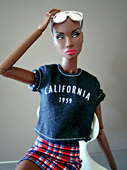 California 1959 (Deejay Bafaroy) Tags: fashion royalty fr integrity toys doll puppe adele makeda timeless black schwarz portrait porträt barbie clothes kleider red rot blue blau white weiss