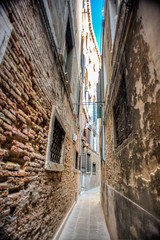 Squeeze (RoamingTogether) Tags: europe hdr italy nikon nikon20mm28 nikond700 venice