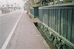 Traditional walls (しまむー) Tags: canon af35m autoboy 38mm f28 fuji fujicolor 100 oga kakunodate 男鹿 角館