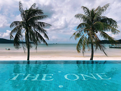 theOne (.maique.) Tags: hotel theone beach beachlife sea ocean pool poollife theamazinghoneymoon travel asia shotoniphone shotoniphonex seetheworld travelasia cambodia kohrong kohrongsamloem palmlove