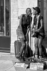 Paris Marais... (J-LucV.) Tags: personnes métiersetpersonnages musiciens emmyliyana