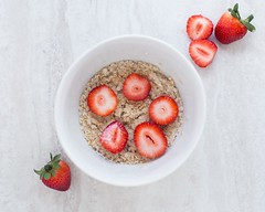 Berries bowl breakfast - Credit to https://homegets.com/ (davidstewartgets) Tags: berries bowl breakfast food fruit healthy meal oatmeal oats strawberries