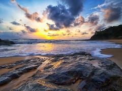 190203 ~ IMG_6628 ~ sejenak di dungun (alongbc) Tags: sunrise dawn morning cloud coast coastline seascape shoreline pantaitelukbidara dungun terengganu malaysia travel place trip canon eos700d canoneos700d canonlens 10mm18mm wideangle happyplanet asiafavorites