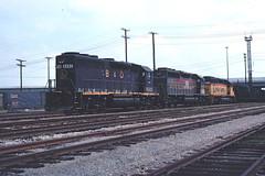 Shovig coal at Newport News (The Andy Smith) Tags: newport news va bo csx gp40 6582