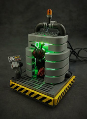 The fly (captainsmog) Tags: lego moc vignette teleporter teleportation fly contraption movie engineering fun hommage collectible minifigure