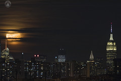 Manhattan skyline with Waning Gibbous. (cyberdoctorind) Tags: ifttt 500px cityscape skyline skyscraper downtown district night financial