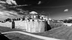 Tower of London (Derwisz) Tags: london cityoflondon thetower toweroflondon castle fortress citywalls medieval england unitedkingdom uk canoneos40d cityscape monochrome blackwhite blackandwhite