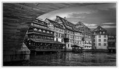 Strasbourg, sous les ponts (thierrybalint) Tags: strasbourg nikon nikoniste balint thierrybalint pont bridge sky clouds nuages maisons colombage houses timbered