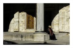 shadows (alamond) Tags: şehzademosque mosque turkey istanbul woman shadow courtyard light suleiman mehmed sinan memorial canon 7d markii mkii llens ef 1740 f4 l usm alamond brane zalar column
