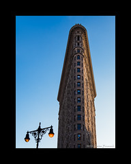 Flatiron Building - New York City (GAPHIKER) Tags: flatiron nyc newyorkcity danielburnham burnham 1902 wedge fifthavenue broadway 23rdstreet fuller company icon stieglitz photograph