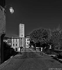 Molans sur Ouveze  Vaucluse/FR (Mike Reichardt) Tags: blackwhite blancetnoir monochrome schwarzweiss cityscape stadt vaucluse france frankreich
