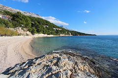 Brela, Croatia (russ david) Tags: brela croatia dalmatian coast adriatic sea beach balkans ocean hrvatska republic republika travel november 2018 landscape