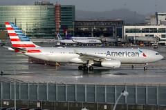American Airlines | Airbus A330-200 | N291AY | San Francisco International (Dennis HKG) Tags: aircraft airplane airport plane planespotting oneworld canon 7d 100400 sanfrancisco ksfo sfo american americanairlines aal aa usa airbus a330 a330200 airbusa330 airbusa330200 n291ay