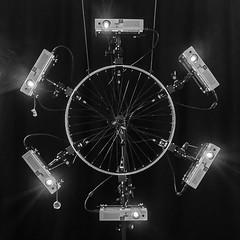 sternzylinderfelgenprojektion (genelabo) Tags: star cylinder projection video videobeamer sanyo test installation videoprojection light lightshow effect sternzylinder genelabo stern fahrrad felge rim wheel fog nebel haze computer madmapper lumen square rund round quadrat schwarz weiss black white bw sw