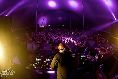 EZ2011_BSK-Friday-CarlCox-2484