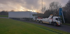 2019-02-28 17.18.58 (JAMES2039) Tags: volvo fm12 ca02tow fh13 globetrotter pn09juc pn09 juc tow towtruck truck lorry wrecker rcv heavy underlift heavyunderlift 8wheeler 6wheeler 4wheeler frontsuspend rear rearsuspend daf lf cf xf 45 55 75 85 95 105 tanker tipper grab artic box body boxbody tractorunit trailer curtain curtainsider tautliner isuzu nqr s29tow lf55tow flatbed hiab accidentunit iveco mediumunderlift au58acj ford f450 renault premium trange cardiff rescue breakdown night ask askrecovery recovery scania bn11erv sla superlowapproach demountable