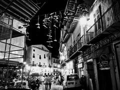 Shoefiti (Franco-Iannello) Tags: streetphotography people travel