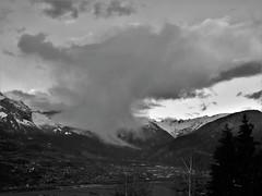 Haute-Savoie (74) Plateau d'Assy sous les nuages 18-03-19a (mugicalin) Tags: fujifilm fujifilmfinepix fujifilmfinepixs1 s1 finepixs1 finepix 74 hautesavoie passy lefayet stgervais combloux 2019 montblanc lemontblanc montagne mountain berg planina noir black blanc blackandwhite noiretblanc bw neige snow snijeg schnee sneeuw paysage landscape landschaft pejzaž paesaggio paisaje landschap nuage cloud wolke oblak nube ciel sky brouillard régionauvergnerhônealpes 10fav