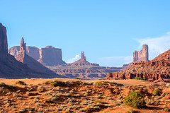 Earth Focus (diego.rzg) Tags: monumentvalley valley canyon nationalpark epic exploreeverything roadtrip travelphotography desert scenic instatravel outdoors fantasticearth earthfocus natureperfection wanderlust bestoftheday getaway beautifuldestinations discoverearth awesomeearth ourplanetdaily landscape photooftheday shotoftheday picoftheday navajo buttes threemittens diegogomez