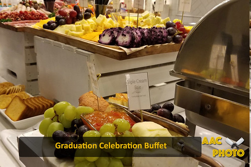 "Grad Buffet • <a style=""font-size:0.8em;"" href=""http://www.flickr.com/photos/159796538@N03/31579915637/"" target=""_blank"">View on Flickr</a>"