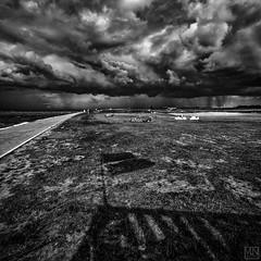 after the storm (MAICN) Tags: 2018 wind architektur meer himmel mono sw nordsee clouds northsea bw beach blackwhite monochrome strand ocean schwarzweis wasser sky seascape einfarbig water wolken dramatic