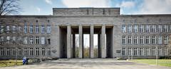 Braunschweig Kolleg (r.wacknitz) Tags: braunschweig niedersachsen architektur nationalsoziaismus history architecture bildung nikond3400 sigma1020 luminar18 gebäude himmel