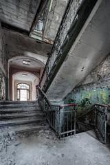 Beelitz Heilstätten - Dare to go down? (Jan Hoogendoorn) Tags: duitsland germany urbex urbanexploring vervallen verlaten decayed abandoned beeli