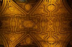Golden sky (Lívia.Monteiro) Tags: vatican arquitetura vaticano europa basílica são pedro férias traveling basilica holiday world golden faith