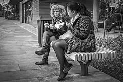 Eating on a bench 17/11 2017. (photoola) Tags: nice street ã¤ter sv bänk äter monochrome blackandwhite photoola eating