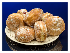 Feel like a little nibble? (johnhjic) Tags: johnhjic flash jam doughnuts doughnut plate blue treet suger f36