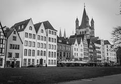 Köln - Old town (j2psphoto) Tags: koln deutschland allemagne canon 5d mark iv markiv 2470 photography architecture ville town city black white bw noir blanc nb köln cologne