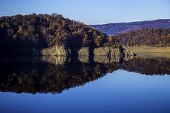 Eifel0044Rursee (schulzharri) Tags: eifel see lake deutschland germany europa europe water sun wasser sonne landschaft gras himmel meer berg baum wald bucht felsen