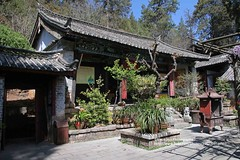 Longquan, Three sages temple (blauepics) Tags: china chinese chinesisch yunnan province provinz longquan lijiang city stadt architecture architektur buildings gebäude buddhism buddhismus religion faith glaube tower three sages temple tempel tree baum spring frühling