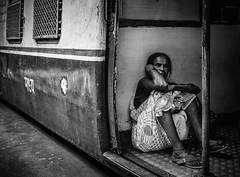 Mumbai (I) (manuela.martin) Tags: bw blackandwhite schwarzundweis streetphotography india mumbai people peoplephotography foreignpeople hasselblad x1d hasselbladx1d hipshots mediumformat