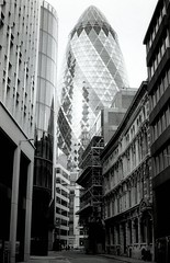 Gherkin (Myahcat) Tags: 35mm film blackandwhite analogue monochrome ilford fp4 fp4party yashica yashicafri london gherkin city buildings