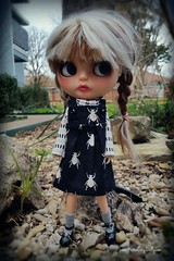 """Mom, I've literally owned this cute new jumper from Jume Jume Shop for 2 seconds and it already has dog hair on it!"" Hilde, dear, that's just a fact of goth life when you've got 2 white dogs. 😁♥😅 (Motor City Dolly) Tags: custom blythe alpaca reroot braids goth girl bugs"