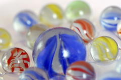 Hobby with Marble Balls (Christian Chene Tahiti) Tags: canon 6d hobby passion macromondays game auckland bille ball jeu rouge bleu vert jaune couleur colour hmm macro nouvellezélande newzealand bokeh closer closeup blanc marble