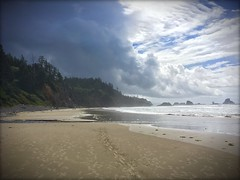 Indian Beach (kmah88) Tags: seastacks clouds haystackrock rockformations beach ocean pacificocean pnw pacificnorthwest unitedstates oregon ecolastatepark cannonbeach indianbeach