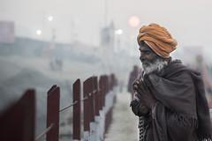 (s@brina) Tags: india ganga preghiera spirituality allahabad sunrise people travel kumbhmela